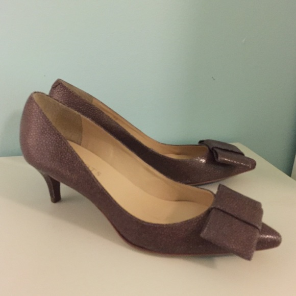 944d9ab6611 NEW Talbots leather taupe kitten heel bow pumps 6.  M 5a7289061dffda4112c03b61